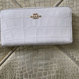 Coach wallet - like new cream and gold